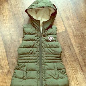 Hollister Sherpa lined vest